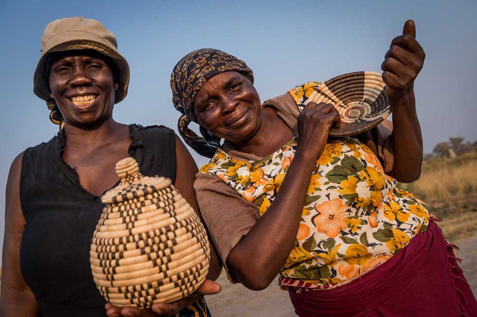 Afrika Ecco Safaris Okavango Delta community arts and crafts